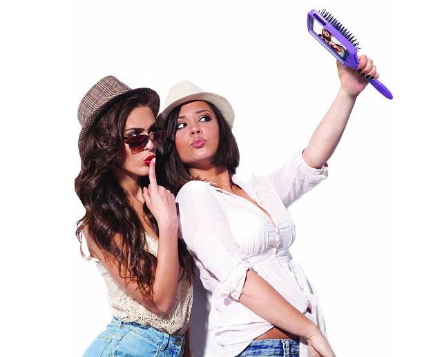 selfiebrush-1