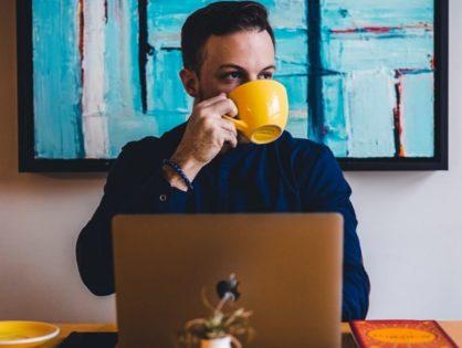 Jak pić kawę, by faktycznie działała? 8 prostych lifehacków